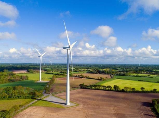 elektrownie i farmy wiatrowe w polsce - rozwój i prawo