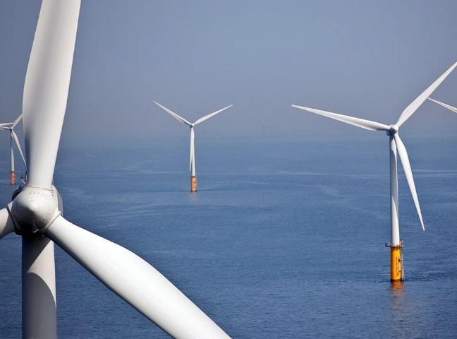 farmy wiatrowe - energia z wiatru na morzu